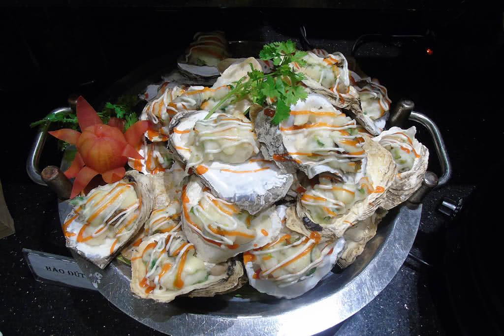 Buffet lẩu nướng ngon độc lạ chỉ có ở vài nhà hàng, ở Hồ Chí Minh