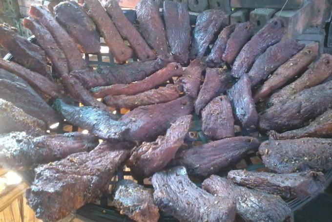 cách ăn thịt trâu gác bếp, Hướng dẫn cách ăn thịt trâu gác bếp đúng cách mới nhất 2020