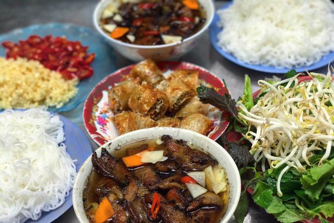 Món ngon bún chả nổi tiếng biết bao đời nay ở Hà Nội