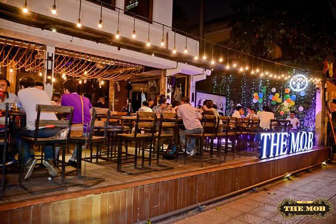 Những nhà hàng có không gian xanh 18