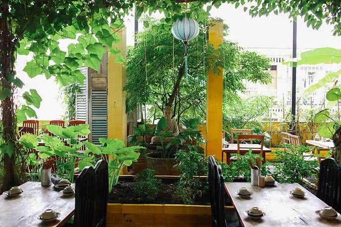 Những nhà hàng có không gian xanh 26
