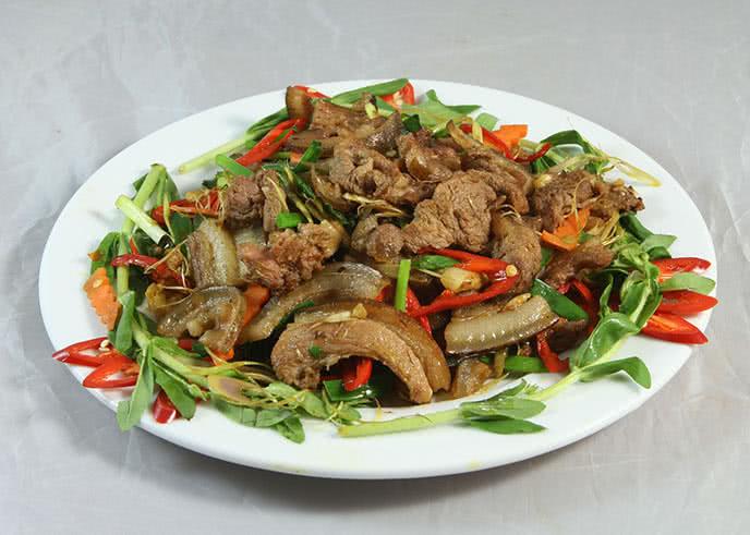 Top 5 nhà hàng gần sân bay Nội Bài được yêu thích nhất 2