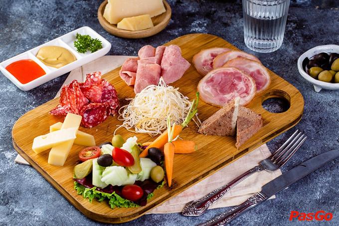 Nhà hàng Olearys Bà Triệu 5