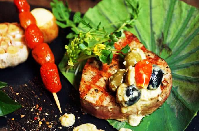 Mang đến ẩm thực Âu-Mỹ độc đáo tại moo beef steak trần quốc toản