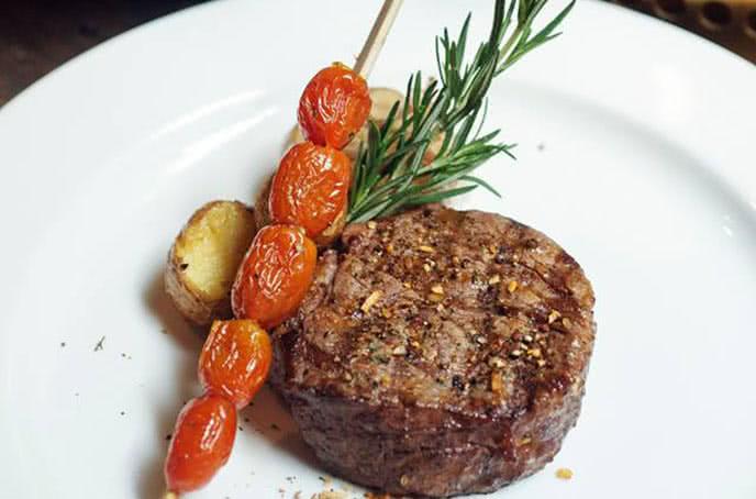 moo beef steak nguyễn thị định 3