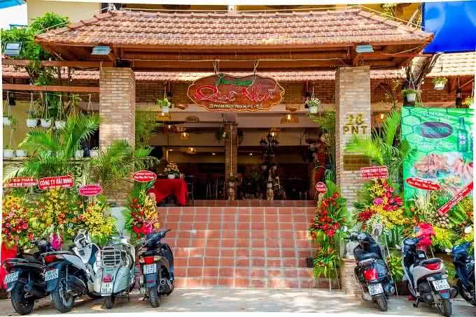 nhà hàng Quê Nhà Phạm Ngọc Thạch16