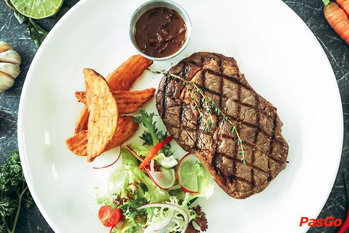 Nhà hàng Oia Castle - Bistro Cafe Tôn Thất Đạm 3