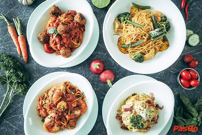Nhà hàng Oia Castle - Bistro Cafe Tôn Thất Đạm 9