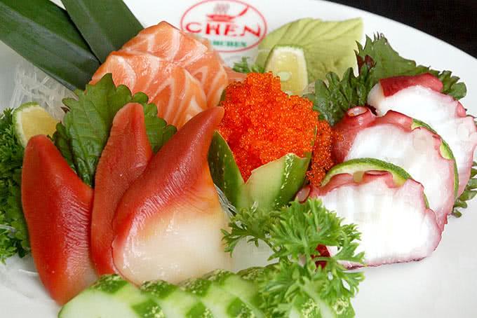 Sashimi tại nhà hàng Chen 116 Hoàng Ngân