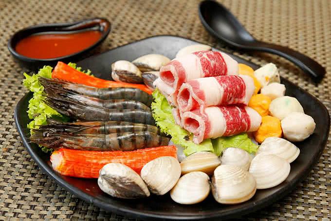 Nhà hàng Chiaki BBQ 75 Đại Cồ Việt 7