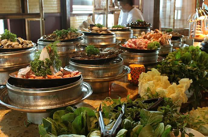 nhà hàng buffet chợ quà quê tam trinh 9
