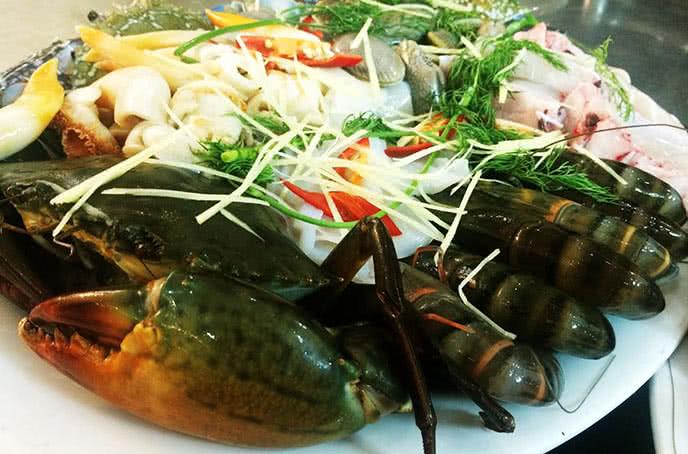 Set lẩu hải sản tại Nhà hàng hải sản biển đông trần thái tông