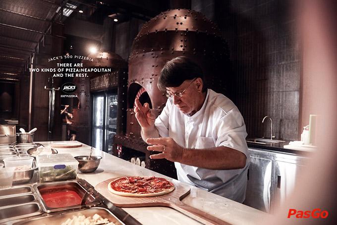 Nhà hàng Cowboy Jack's 500 Pizza