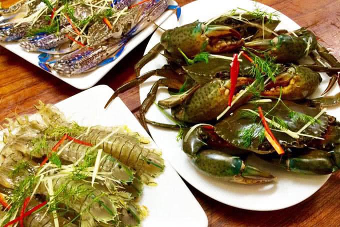 hải sản tươi sống tại vựa hải sản biển đông trần quốc toản