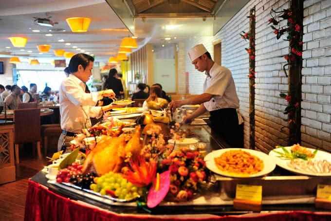 Một bữa tiệc báo hỉ ấm áp tại nhà hàng buffet Ngọc Mai Vàng