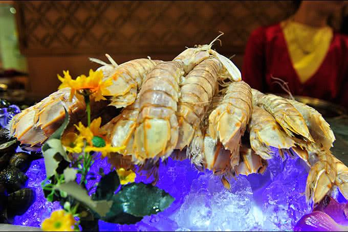 Khu đồ nguội làm phong phú - Nhà hàng ngọc mai vàng
