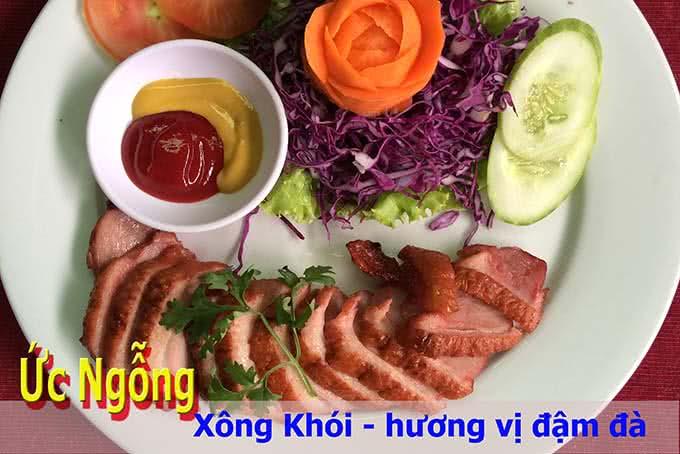 nhà hàng Quê Nhà Phạm Ngọc Thạch 17