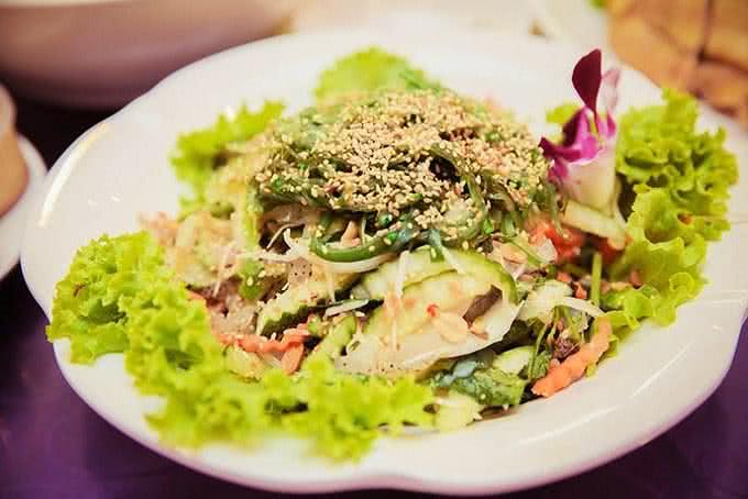 Nhà hàng Venus Minh Khai 8