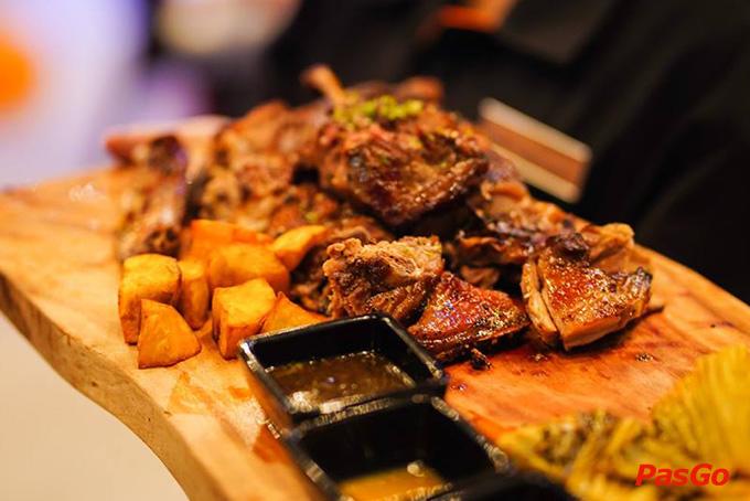 Top 10 quán ăn gia đình ngon rẻ, hút khách nhất ở TpHCM 6