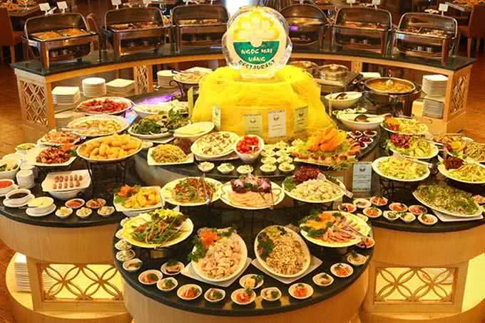 Hàng trăm món ăn khắp Âu Á - Nhà hàng ngọc mai vàng