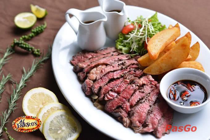 Top 10 nhà hàng, quán ăn ngon, hút khách nhất ở Royal City 3