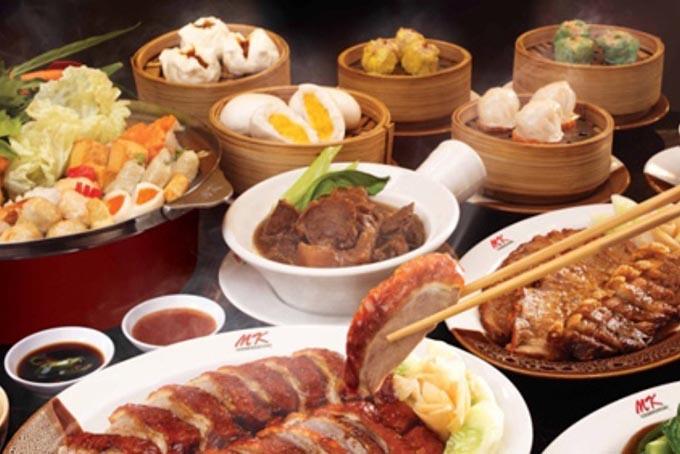 Top 10 nhà hàng, quán ăn ngon, hút khách nhất ở Royal City 5