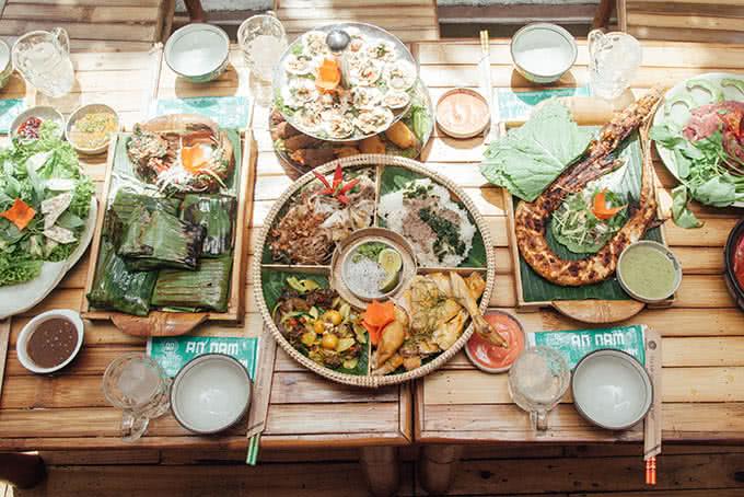 Top 20 quán ăn bình dân ngon, hút khách nhất ở Quận 1 6