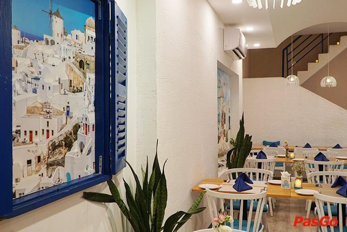 Nhà hàng Oia Castle - Bistro Cafe Tôn Thất Đạm 17