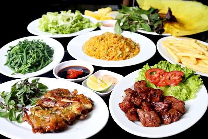 Mâm cơm đầy đủ các món quán ăn ngon 18 phan bội châu