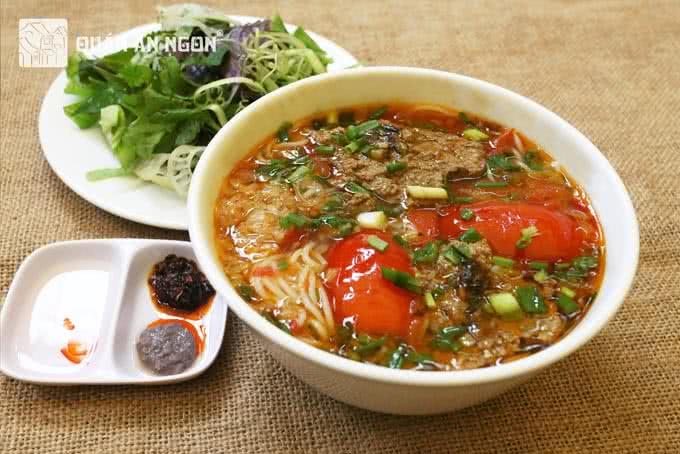 Bún riêu - hương vị Hà Thành ở quán ăn ngon 18 Phan Bội Châu