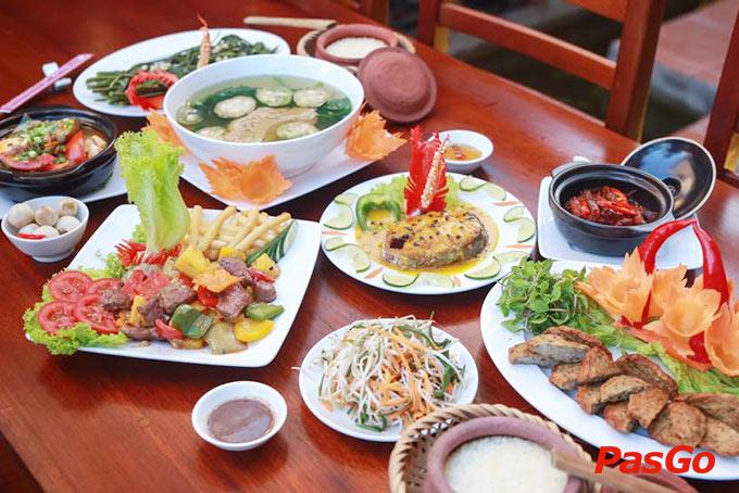 Nhà hàng Cơm Niêu Việt Xưa Trần Bạch Đằng | Mâm cơm Việt thuần chất