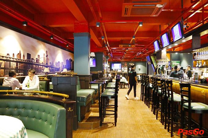 Nhà hàng Olearys Bà Triệu 18